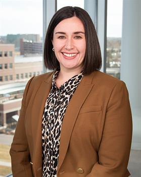 Headshot of Dr. Samantha Holden