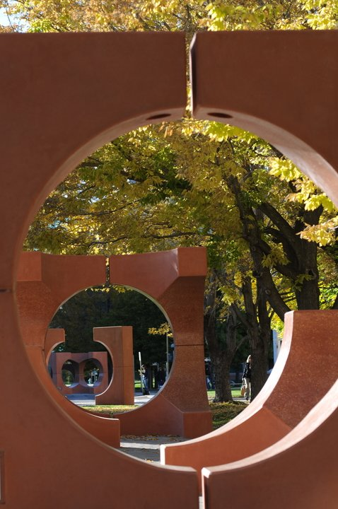 Outdoor sculpture on CU Anschutz during the fall