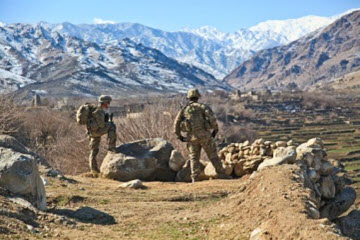 Picture of soldiers in mountains